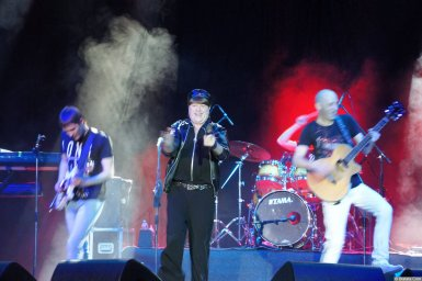 Виктор Королев на концерте 10 ноября 2015 года