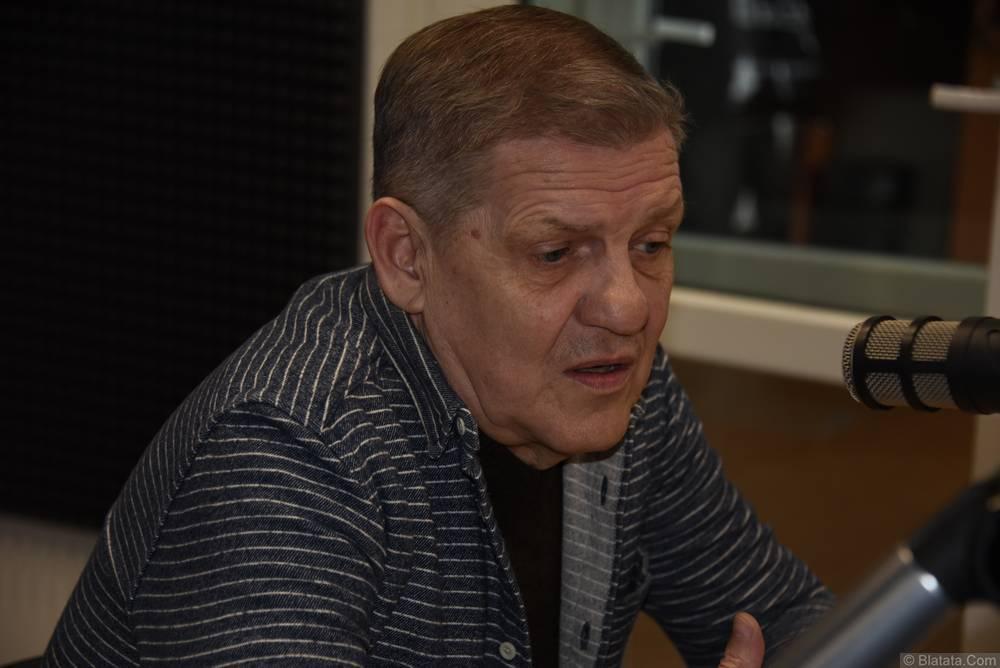 Валерий Волошин, группа Пятилетка в Калининграде на радио