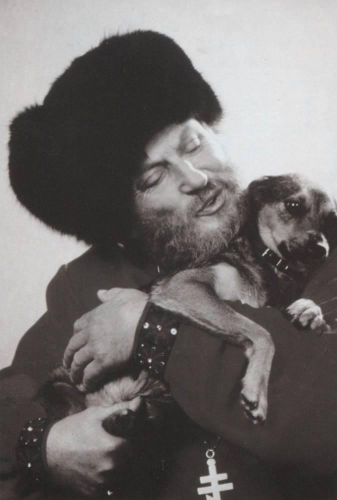 Ivan Rebroff на шел бездомную собачку на пляже в Греции и забрал к себе
