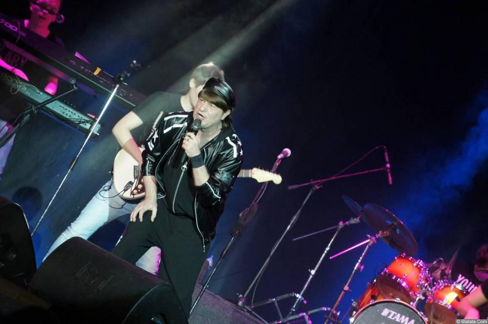 Виктор Королев сольно на концерте 10 ноября 2015 года
