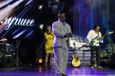Владимир Стольный выступает на концерте 19 августа 2014 года