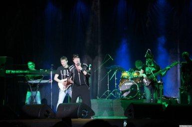Виктор Королев на концерте 10 ноября 2015 года с группой