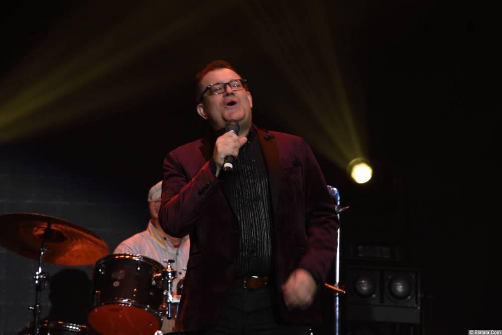 Виктор Баум на концерте выступает 26 февраля 2018 года