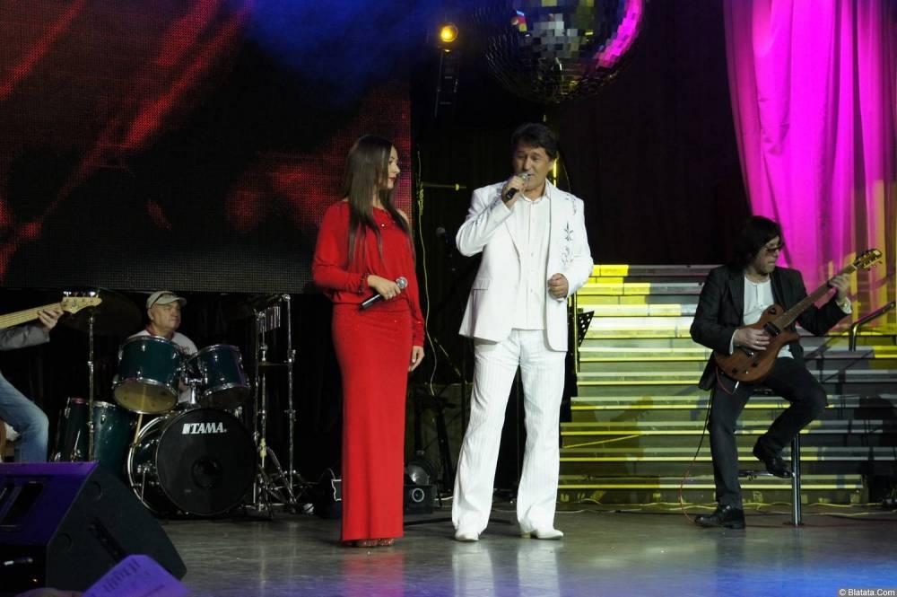 Владимир Черняков поёт дуэтом на концерте Новое и лучшее 17 февраля 2015 года