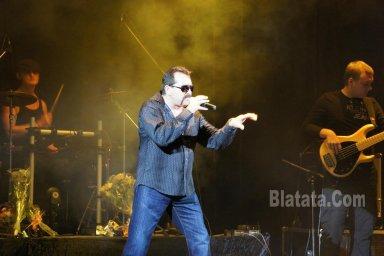 """Концерт группы """"Бутырка"""" в Калининграде. Владимир Ждамиров на сцене"""