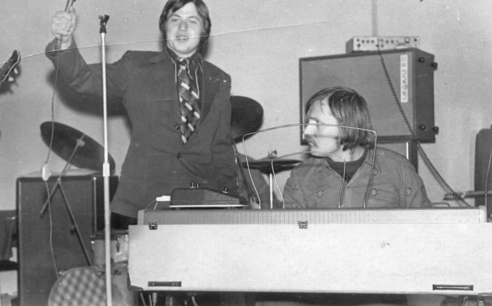 Александр Шеваловский рядом с клавишником Обертона