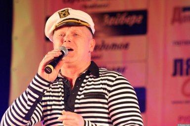 Саша Адмирал 13-14 декабря 2008 года на фестивале Хорошая песня 8