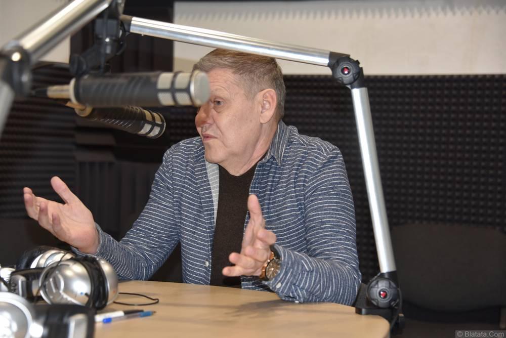 Валерий Волошин, группа Пятилетка в Калининграде на интервью