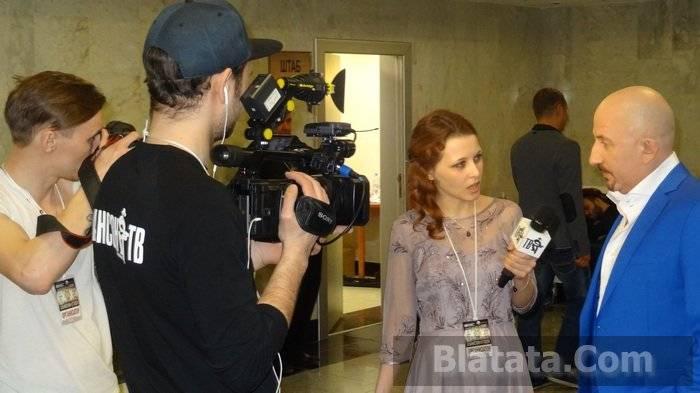 Жека дает интервью