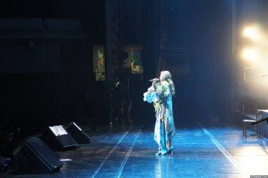 Вика Цыганова на XX-м фестивале памяти Аркадия Северного на сцене
