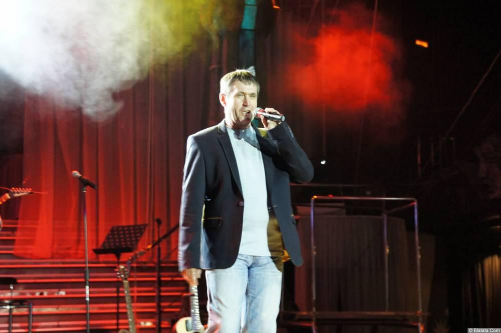 Николай Котрин на сцене XIX фестиваля памяти Аркадия Северного 2