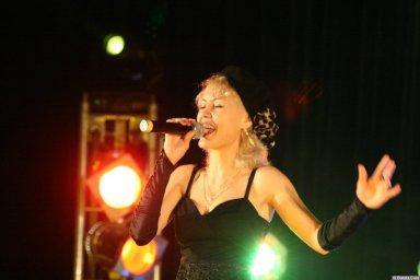 Юлия Андреева 13-14 декабря 2008 года на фестивале Хорошая песня 4