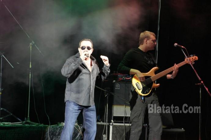 """Концерт группы """"Бутырка"""" в Калининграде. Владимир Ждамиров на сцене 12"""