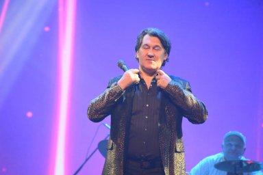 Владимир Черняков поёт на фестивале памяти Аркадия Северного 2018