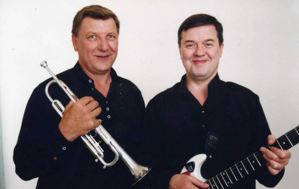 Александр Шеваловский с трубачом участником ансамбля