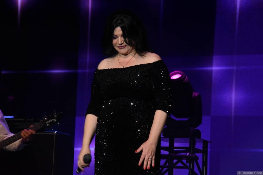 Наташа Державная выступает на втором фестивале шансона имени Александра Фрумина