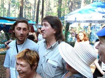 Олег Митяев с поклонниками