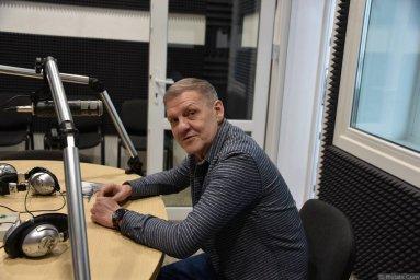 Валерий Волошин, группа Пятилетка у микрофона