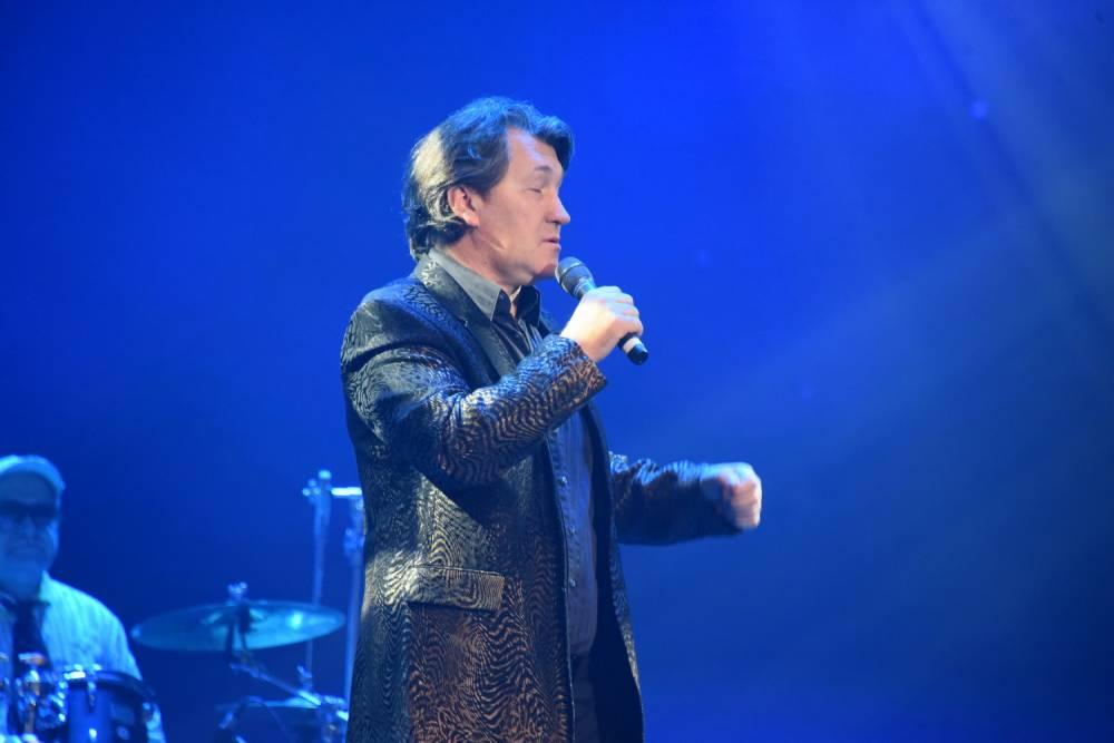 Владимир Черняков на сцене фестиваля памяти Аркадия Северного 2018