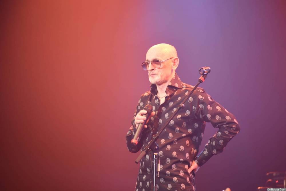 Григорий Заречный на концерте Новое и лучшее 30 ноября 2015 года на сцене