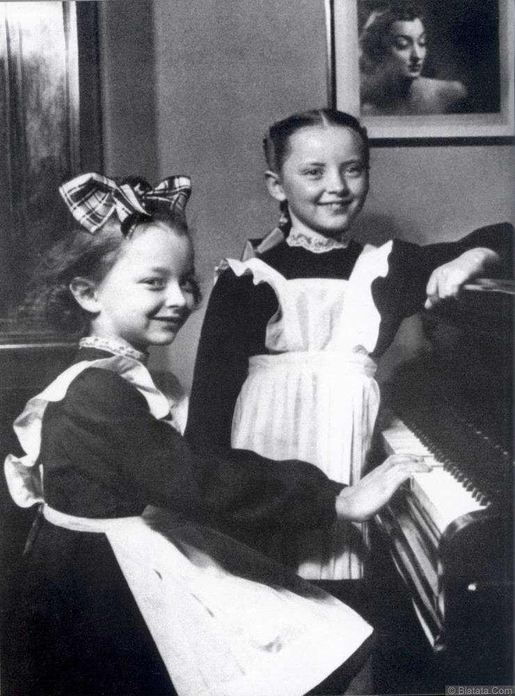 Александр Вертинский и дочери