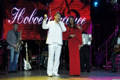 Владимир Черняков в дуэте на концерте Новое и лучшее 17 февраля 2015 года