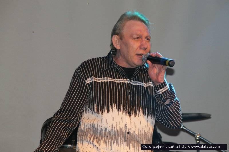 На сцене Михаил Грубов