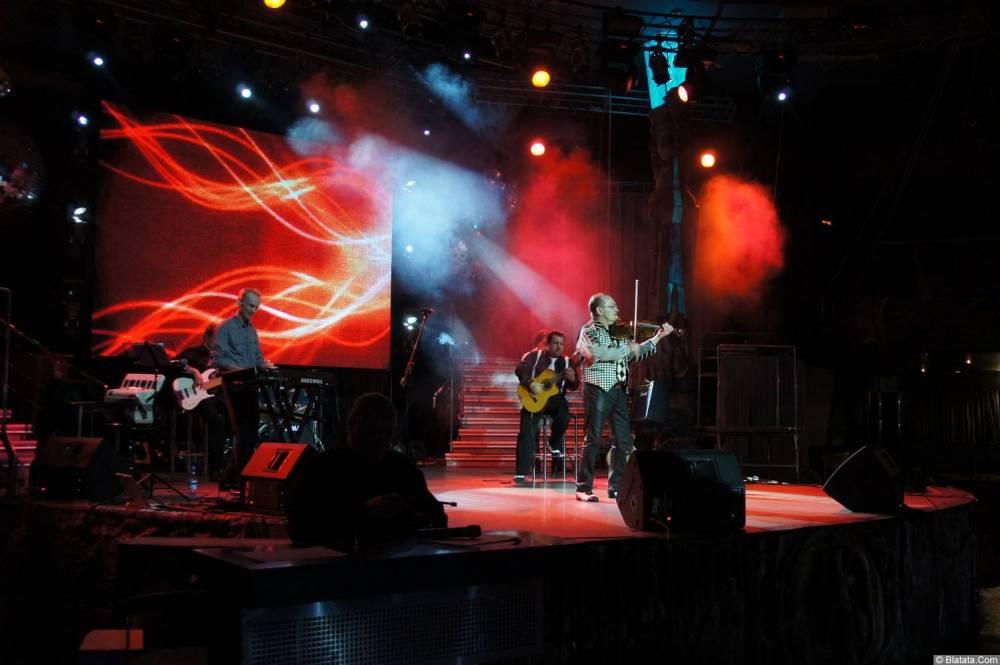 Алексей Дулькевич на сцене XIX фестиваля памяти Аркадия Северного 8