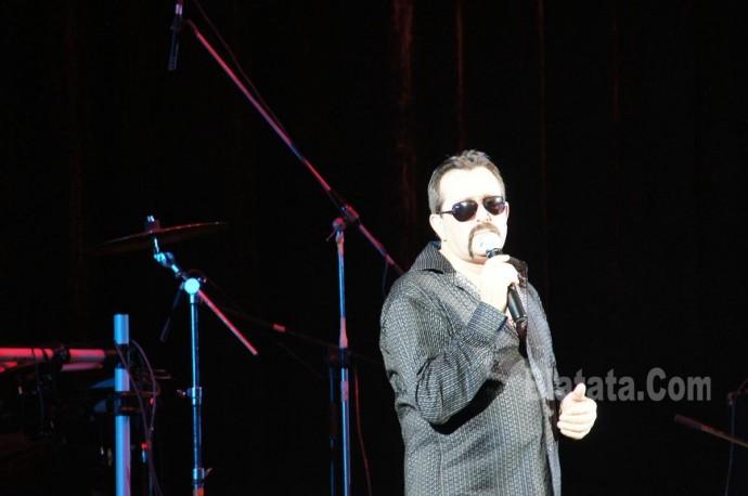 """Концерт группы """"Бутырка"""" в Калининграде. Владимир Ждамиров на сцене 13"""
