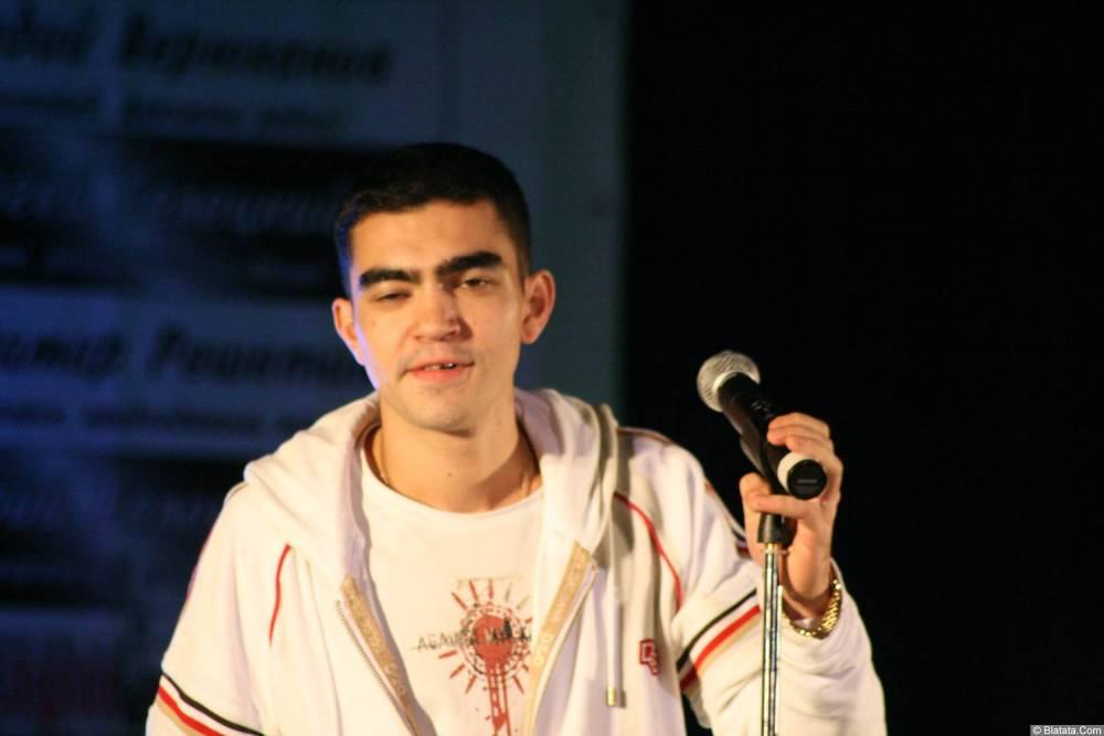 Гога (Артур Гога) 13 декабря 2008 года на фестивале Хорошая песня 1