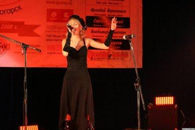 Юлия Андреева 13-14 декабря 2008 года на фестивале Хорошая песня 17