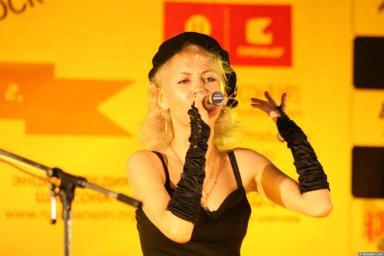 Юлия Андреева 13-14 декабря 2008 года на фестивале Хорошая песня 18