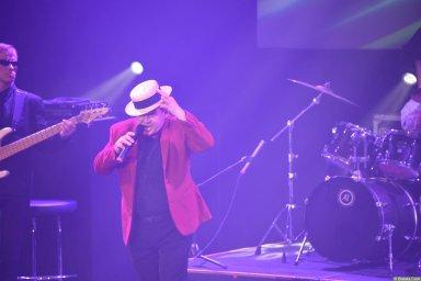 Евгений Любимцев выступает на концерте Новое и лучшее 30 ноября 2015 года