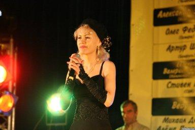 Юлия Андреева 13-14 декабря 2008 года на фестивале Хорошая песня 3