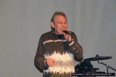 На сцене Михаил Грубов 2