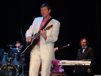 Александр Новиков поёт Извозчика
