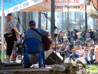 Галина Хомчик на сцене фестиваля 2006 года
