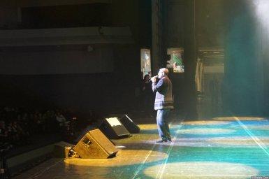 Слава Медяник поёт на XX-м фестивале памяти Аркадия Северного