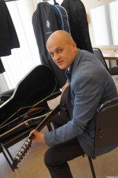 Анатолий Топыркин на репитиции на XX-м фестивале памяти Аркадия Северного 12 апреля 2015 г.