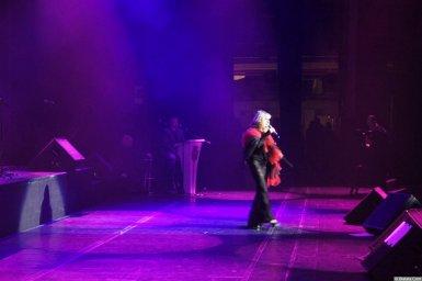 Таня Тишинская на сцене на XX-м фестивале памяти Аркадия Северного