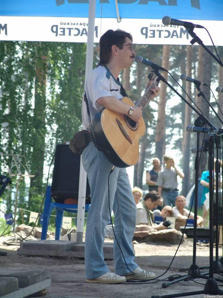 Виктор Третьяков на сцене Ильменского фестиваля 2006 года