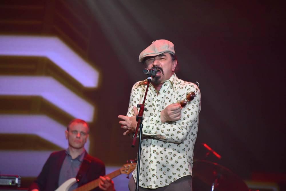 Юрий Михайличенко на сцене в Санкт-Петербурге