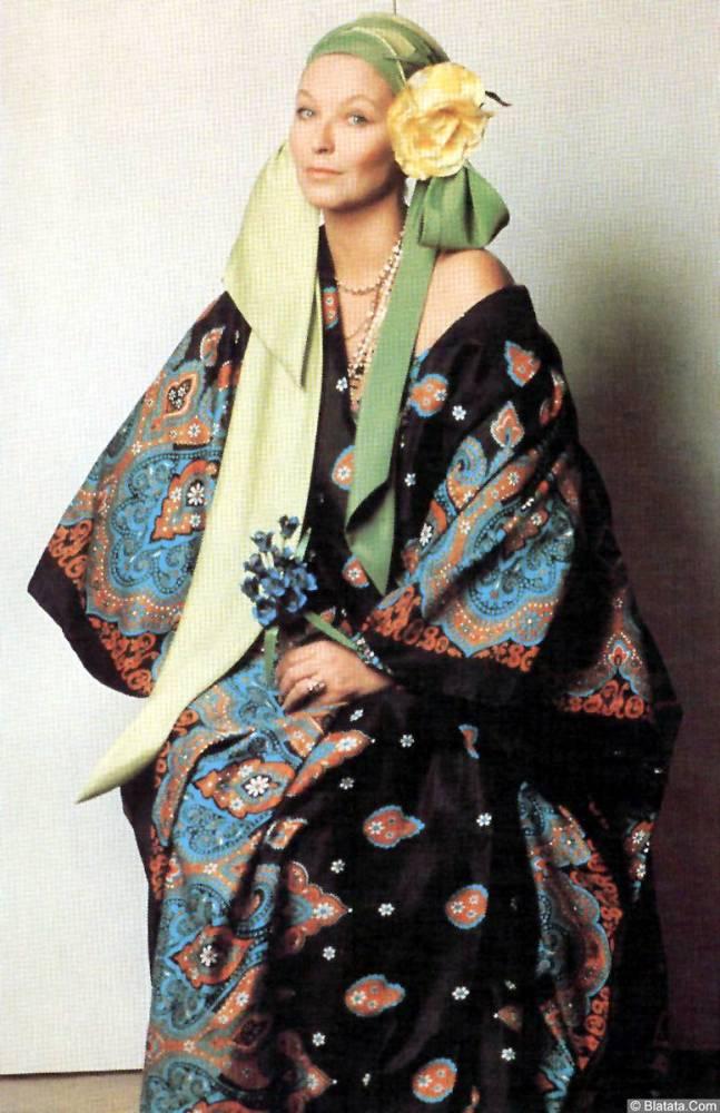 Марина Влади в кимоно