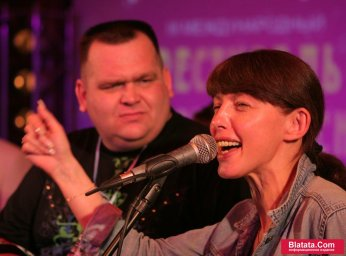 Татьяна Кабанова на сцене фестиваля шансона 20