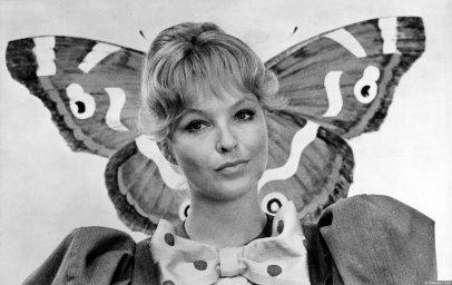 Марина Влади с бабочкой