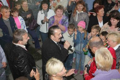 Вилли Токарев в кругу поклонников 4
