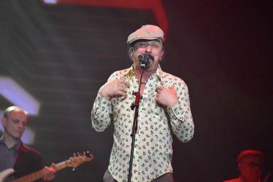 Юрий Михайличенко выступление на сцене