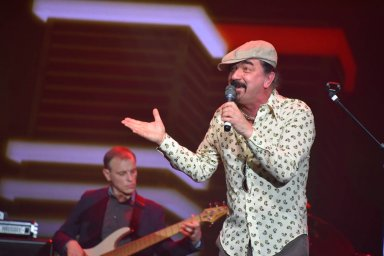 Юрий Михайличенко на сцене