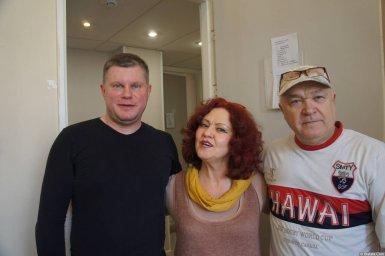 Ирина Каспер с артистом и Михаил Дюков на XX-м фестивале памяти Аркадия Северного 12 апреля 2015 г.