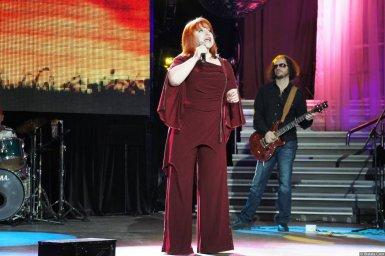Олеся Атланова на концерте 2013 года